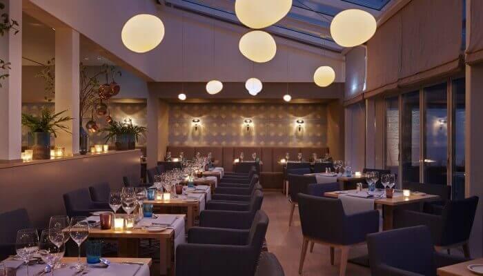 AALERNHÜS hotel & spa – Abendstimmung Hauptrestaurant